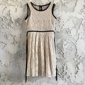 Ivory/Cream Lace Knee-Length Dress Size 10